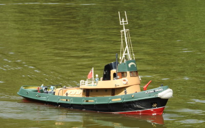 Tug Flying Drake
